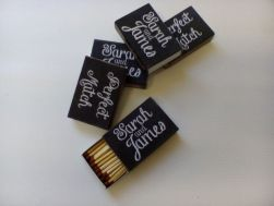 instructables-chalkboard-wedding-matchbox-favours2-by-kerryw