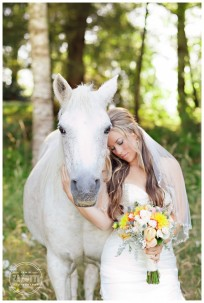 whitehorseweddingcoquilleoregonphoto-33-688x1024-photo-by-jamie-zanotti