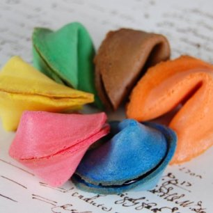 custom-colour-fortune-cookies