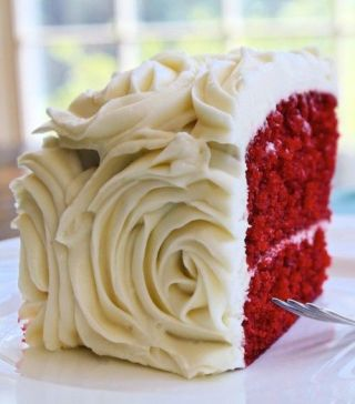 red-velvet-wedding-cake-karen-hudson