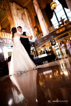 elizabeth-chris-wedding-sheas-theatre-buffalo-photo-by-andy-buscemi-photography