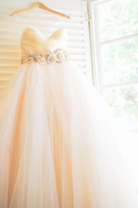 wedding-gown-by-lazaro-photo-by-love-and-lemonade-photography